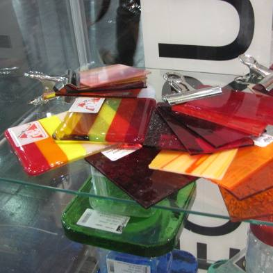 Fritte, grisaglie e colori per vetrofusione