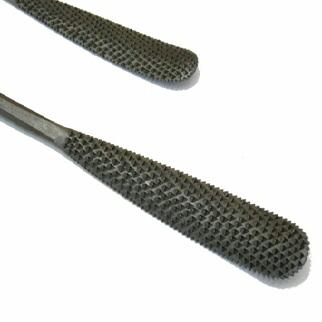 Raspe in acciaio lavorate a mano