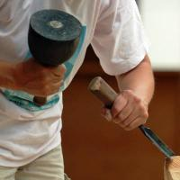 Scolpire il legno