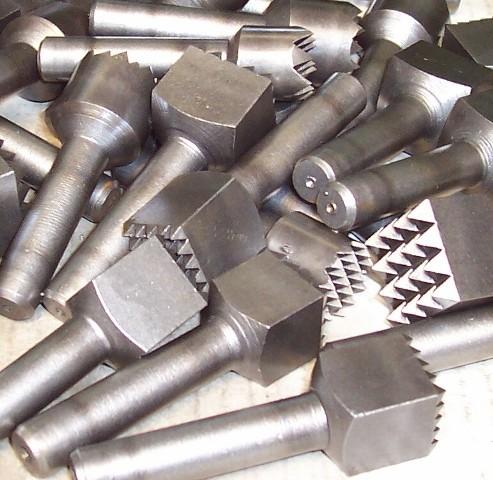 Bocciarda widia codulo corto 9 denti mm.10x10 attacco mm.12.5