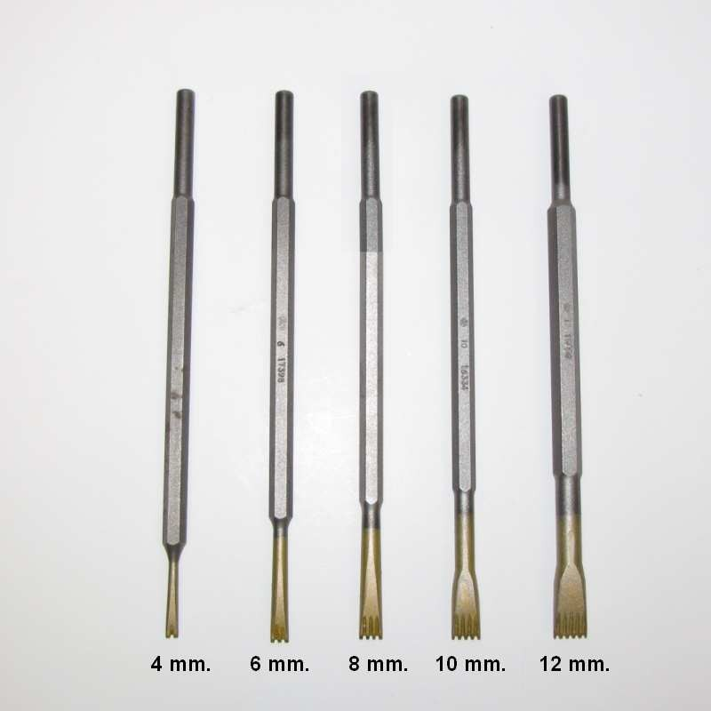 Gradina in widia da 8 mm.con 4 denti attacco 7,5
