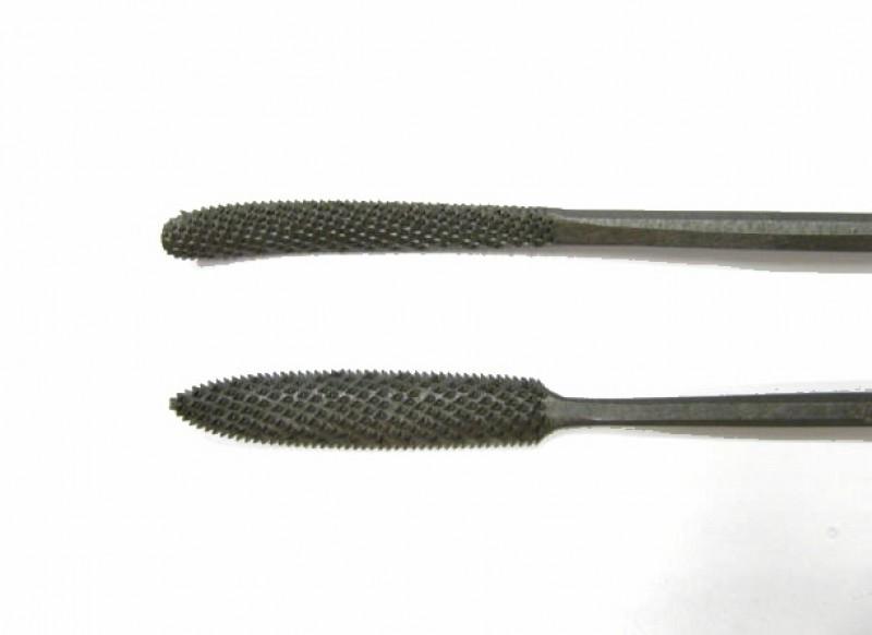 Raspa in acciaio temperato e lavorata a mano, forma cod.  661
