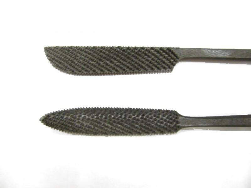 Raspa in acciaio temperato e lavorata a mano, forma cod.  663