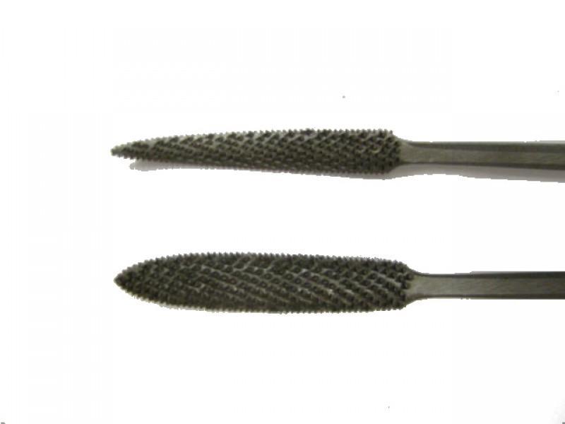 Raspa in acciaio temperato e lavorata a mano, forma cod.  665