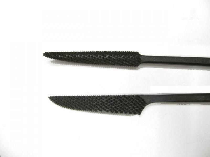 Raspa in acciaio temperato e lavorata a mano, forma cod.  667