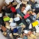 Tessere per mosaico in pietra colori assortiti 2x1x1 Cm.